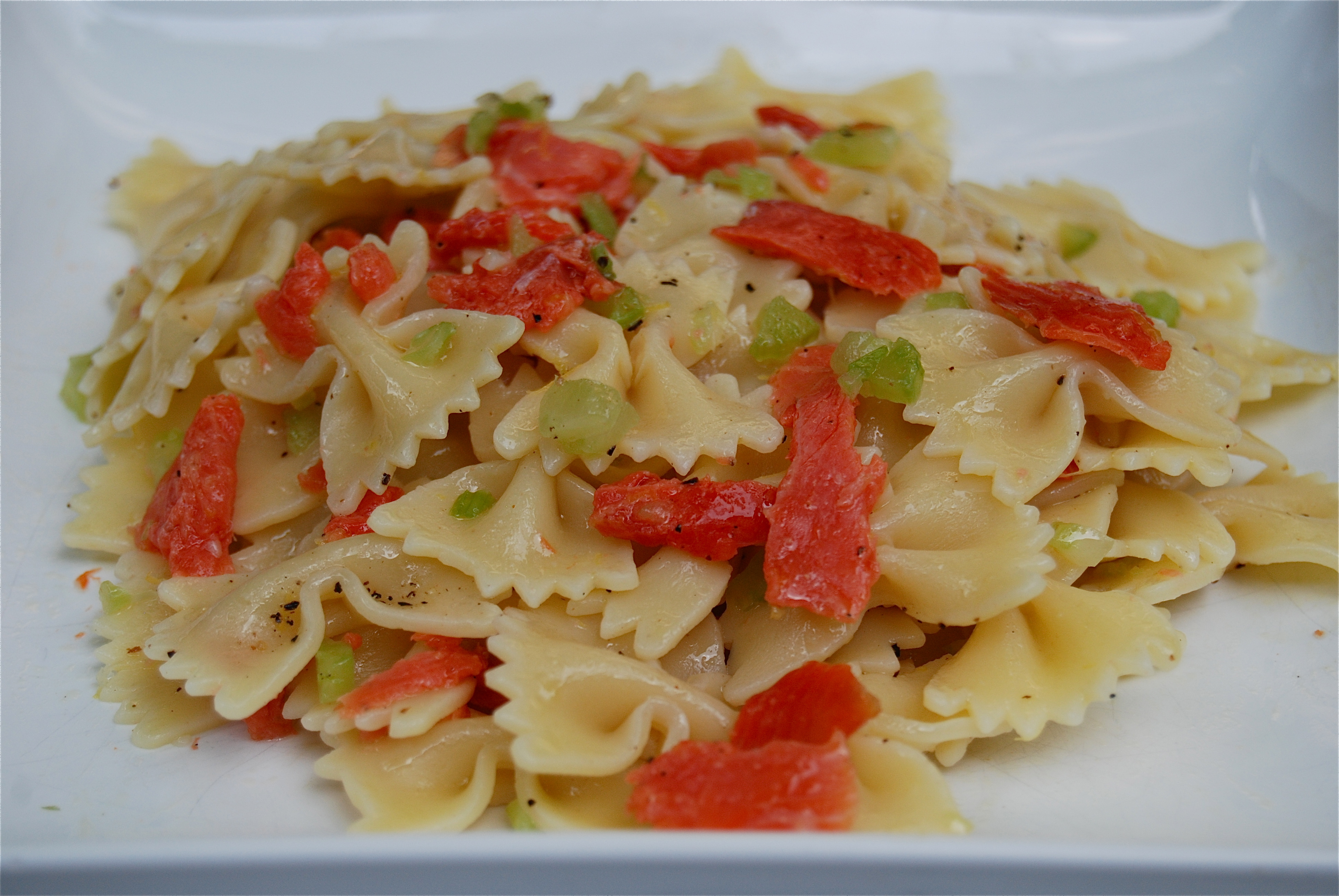 Displaying 20> Images For - Smoked Salmon Pasta Salad...