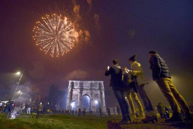 CAPODANNO: IN 300MILA A CONCERTO FORI IMPERIALI A ROMA