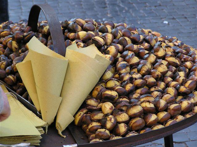 Image from http://www.saporedicastagne.com/vendita-castagne-per-caldarrostai-e-grossisti