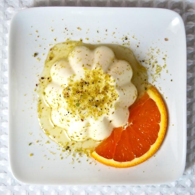 Panna cotta all'arancia e pistacchi di Bronte